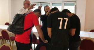 הברכה של אורי אריאל לשחקני הכדורגל
