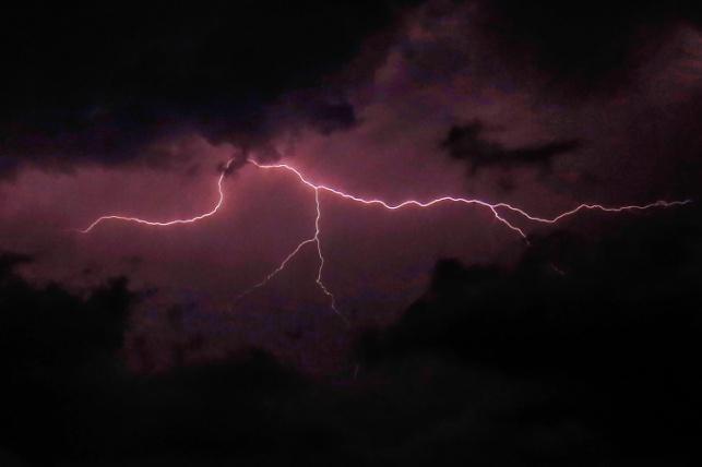 סופת ברקים בעזה