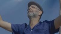 יוני גנוט בגרסה ווקאלית לשירו המרגש: הגלה נא