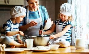עוגיות מתוקות ומהירות ב-3 מרכיבים בלבד - מה עושים עם הילדים? עוגיות מתוקות ב-3 מרכיבים