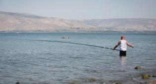 דייג בכינרת