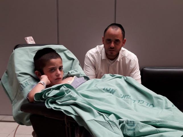 חיים-אבינר במיטתו בבית החולים
