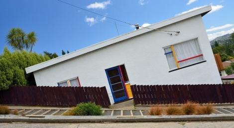 """""""הבתים הטובעים"""" ברחוב בולדווין"""