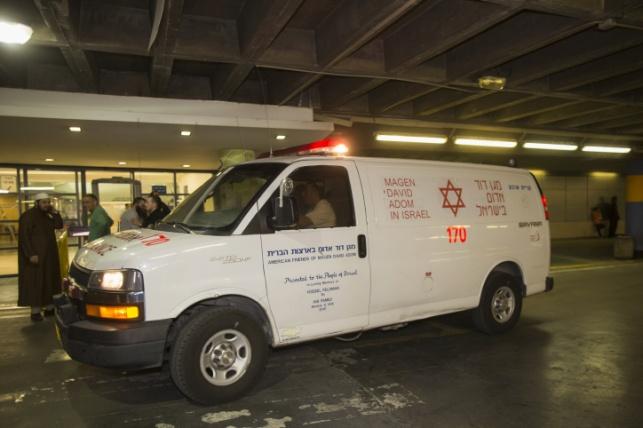 ירושלים: פצוע קשה ושני בינוני בהתהפכות רכב