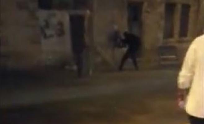 רגע חיסול המחבל בתחנה המרכזית בירושלים