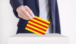 מצביע עם דגל קטלוניה