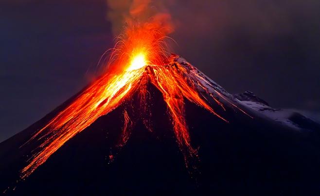 נקלט במצלמות: הר הגעש המקסיקני מתפרץ