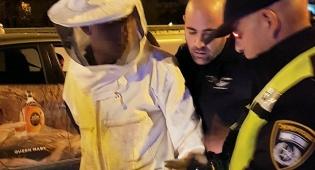 ניסה לגנוב כוורות ונעצר לבוש בבגדי הכוורן