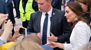 מדוע קייט בחרה בגד פשוט לחתונת גיסה?