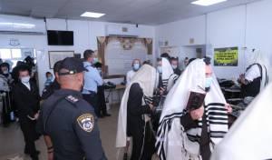 שוטרים פשטו על שטיבלאך ופיזרו מתפללים