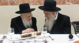 הרב כהנמן עם הרב אלישיב - כשהרבנים אלישיב כיבדו את הרבנים כהנמן
