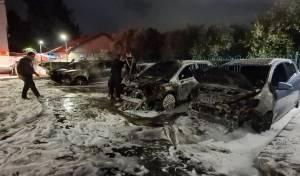 לוד: ערבים שרפו כלי רכב ומשאיות - כנקמה