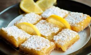 ריבועי בצק פריך עם קרם לימון