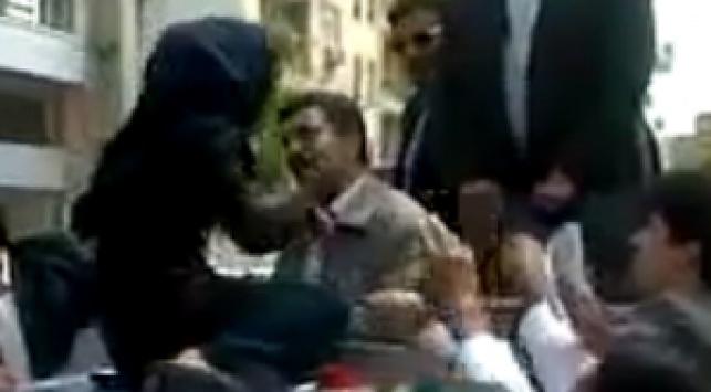 צפו: אזרחים מתנפלים על אחמדניג'אד