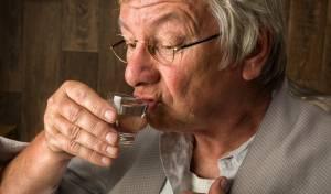 צריכת אלכוהול באופן קבוע מאריכה את תוחלת החיים
