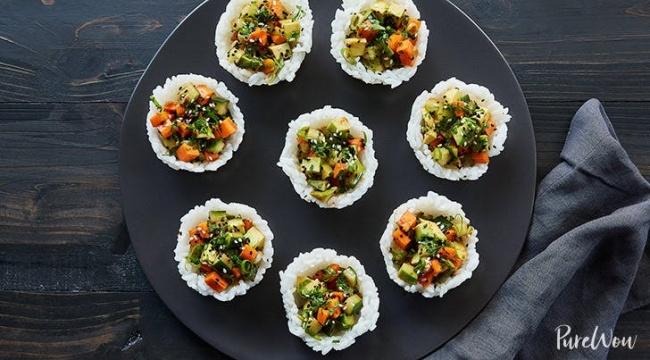 סושי צמחוני בכוסות - למה להסתבך עם אצות כשאפשר להכין סושי בכוסות?