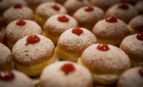 אל תתפתו יותר מדי. הכינו סופגניות דלות קלוריות - חג השומנים: איך עוברים את חנוכה ללא עלייה במשקל?