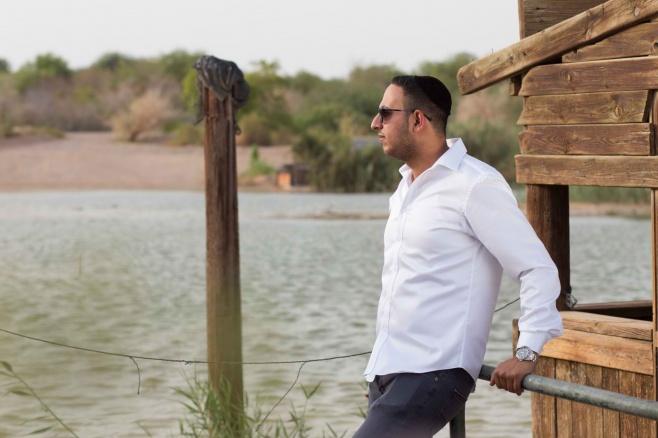 ישראל צוברי בסינגל חדש - 'אליך אקרא'