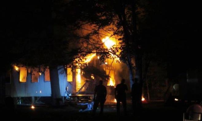להבות האש בבית