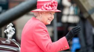 מגנות מקורונה: הכפפות של מלכה אנגליה