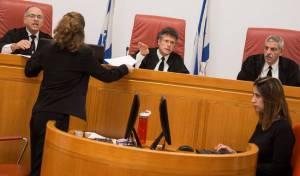 """דיון בבג""""צ. ארכיון - בהחלטת השופטים - ציטוטים מ'כיכר השבת'"""