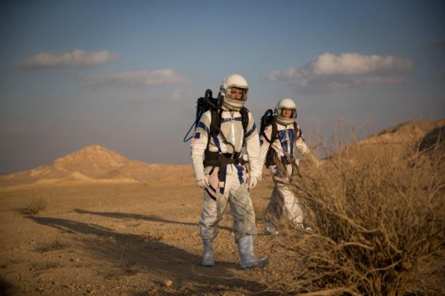 אסטרונאוטים על ה'מאדים' הישראלי. גלריה