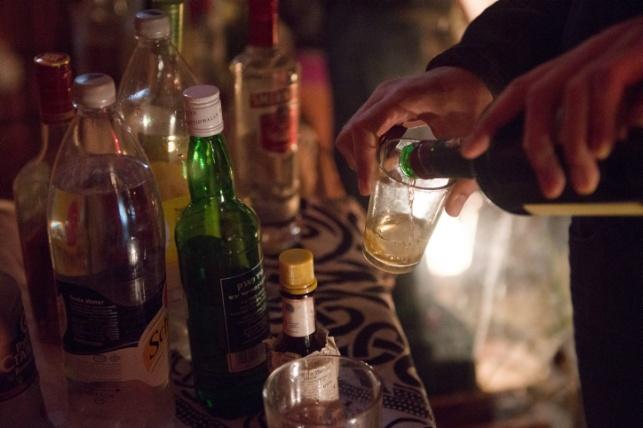 מהלילה בחצות: מס מופחת על האלכוהול