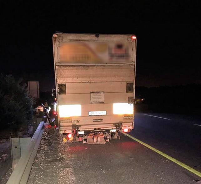 גנב משאית, פרץ מחסום ונעצר לאחר מרדף