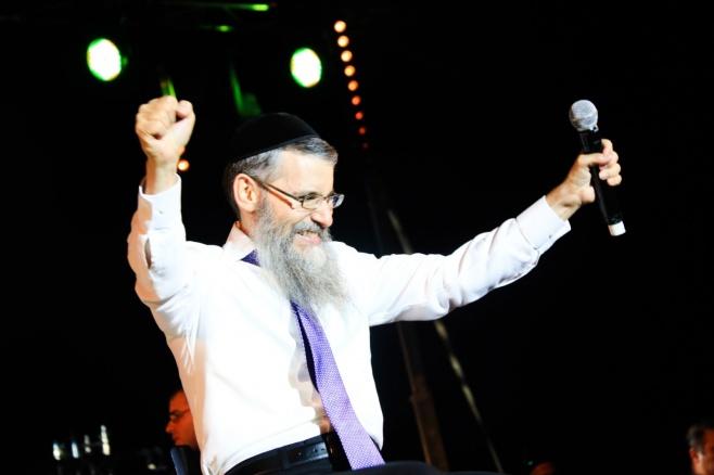 """אברהם פריד עם סינגל חדש: """"חסד ומשפט"""""""