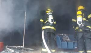 8 פצועים בשריפה שפרצה בחנות רהיטים