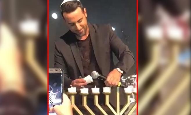 דודו אהרון הדליק נרות חנוכה ב'רידיניג 3' • צפו