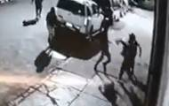 צפו: ארבעה אפרו-אמריקנים תוקפים חרדי
