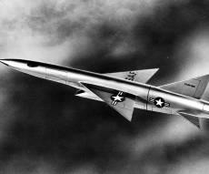 הקברניט המלחמה הקרה ריפבליק XF103
