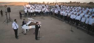 """אברומי וינברג בקליפ עם בחורי רש""""י  • צפו"""
