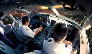 איתן בן אליהו הקים מכללה פרטית ללימודי טיס; המחיר: 250 אלף שקל