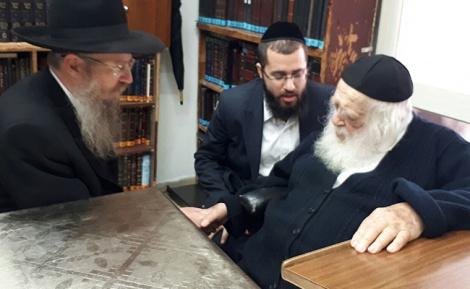 """הרב קאופמן אצל הגר""""ח קנייבסקי - בביהמ""""ש: 'ועד הישיבות' ניצח את הקנאים"""