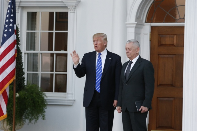 שר בכיר השווה את הנשיא טראמפ לנאצים