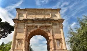 """""""ניצחונו"""" של טיטוס, הביזה וההנצחה ברומא"""