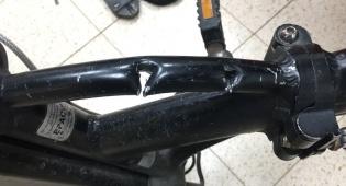 האופניים הגנובים - בשעה: שני גנבי אופניים חשמליים - נעצרו