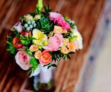 זר פרחים שחי לאורך ימים - טריק פשוט להארכת חייו של זר הפרחים