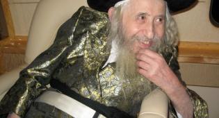 """תיעוד: תמונות מחייו של זקן האדמו""""רים זצ""""ל"""