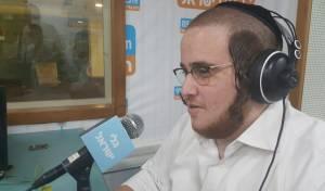 """רפי פרלשטיין - רדיו """"גלי ישראל"""" ממנה כתב לענייני חרדים"""