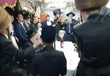 ריקוד הקאדצ'קה ששימח את שר התורה