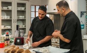 מטבח כיכר: אבי לוי ויהודה אבו מבשלים