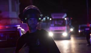 ירי על שוטרים, הצתה וידויי אבנים; 13 נעצרו