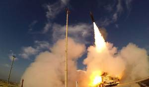"""שיגור של מערכת """"חץ 3"""""""