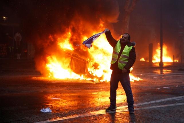 אילוסטרציה, מהומות בפריז