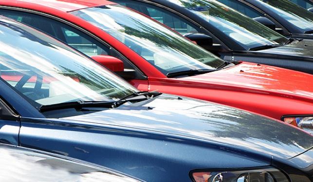 כמה כלי רכב נעים בכבישי ישראל?