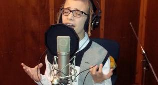 """ארי רייך עם סינגל ראשון: """"יהיו לרצון"""" • האזינו"""