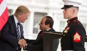 סיסי בביקורו בוושינגטון - טראמפ שוחח עם נשיא מצרים על היחסים בין המדינות